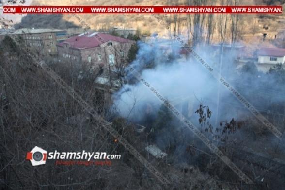 Ալավերդի քաղաքում այրվել են վագոն-տնակներ