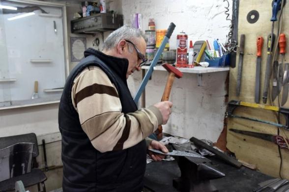 Թուրքիայում դանակագործների ընտանիքը հայ վարպետից սովորած գործը փոխանցում է սերնդեսերունդ
