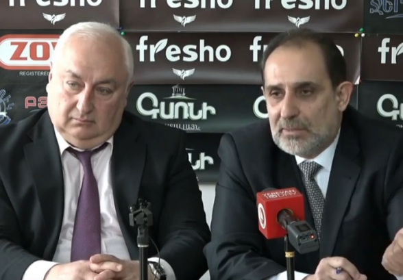 Политические деятели о референдуме, коррупции и украденных средствах (видео)