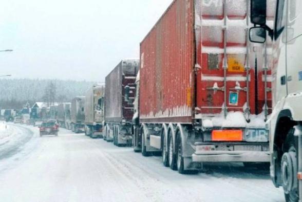 Լարսի ռուսական կողմում կա կուտակված  656 բեռնատար