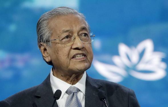 Премьер Малайзии подал в отставку