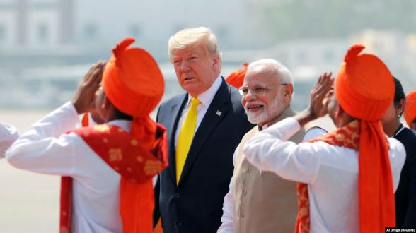 Индия закупит у США оружия на $3 млрд, в том числе вертолеты