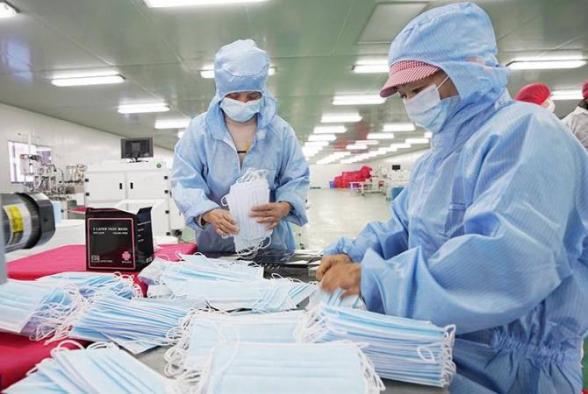 Аптеки Тбилиси сообщили о дефиците масок и антибактериальных жидкостей