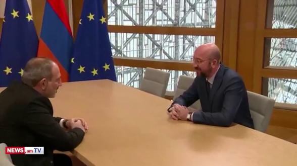 Կորոնավիրուսի պատճառով Փաշինյանն ու Եվրոպական խորհրդի նախագահը միմյանց ձեռք չեն սեղմել