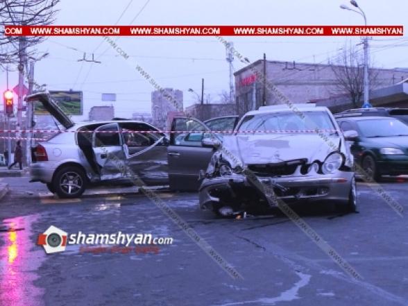 ԲԱՑԱՌԻԿ ՏԵՍԱՆՅՈՒԹ՝ ինչպես է Մալաթիա-Սեբաստիայի թաղապետարանի դիմաց տեղի ունեցել Mercedes-ի և Opel-ի բախումը. կա 7 վիրավոր