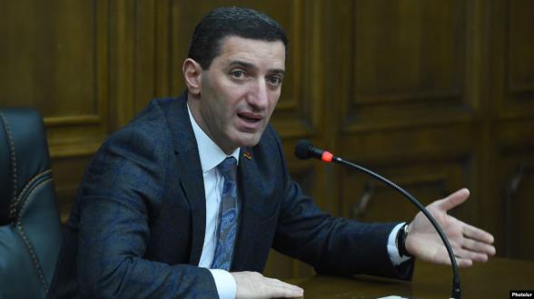 В Армении нет людей, работающих с ежедневной оплатой? Это утверждение человека, не знающего о ситуации в стране