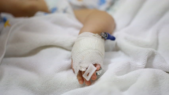 Жизнь раненого на границе армянского подростка вне опасности
