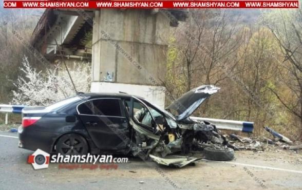 Տավուշի մարզում 21-ամյա վարորդը BMW-ով բախվել է երկաթե արգելապատնեշներին. կա վիրավոր
