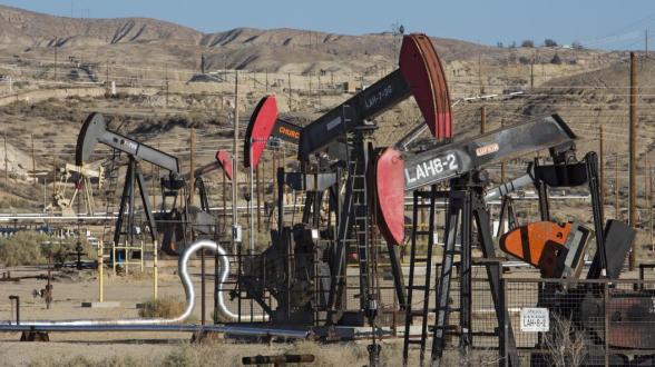 В США начали продавать нефть по 2 доллара