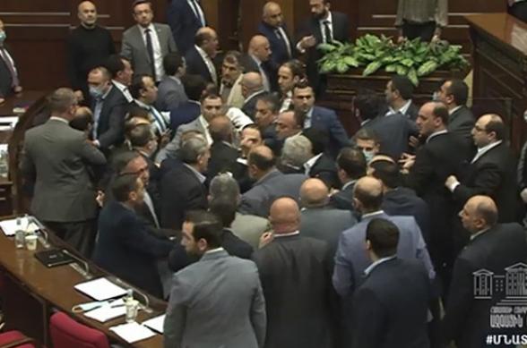 Уголовное дело в связи с инцидентом в парламенте Армении возбуждено не будет
