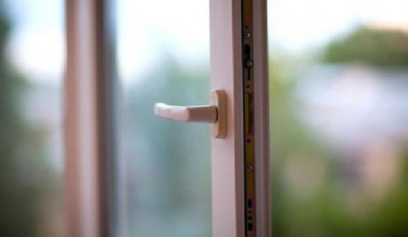 Երևանում Հնդկաստանի 30-ամյա քաղաքացին ցած է նետվել պատուհանից. նրա առողջական վիճակը կայուն ծանր է