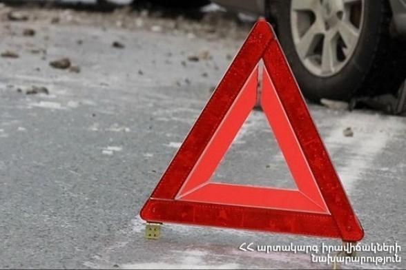 Վանաձոր-Դիլիջան ավտոճանապարհին «Mercedes» մակնիշի ավտոմեքենայի վարորդը արգելափակվել է մեքենայում․ կա տուժած