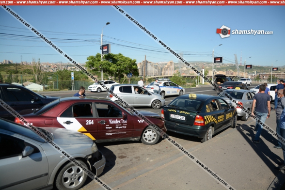 Շղթայական ավտովթար Երևանում. «Դալմա մոլ» առևտրի կենտրոնի դիմաց բախվել են «Range Rover»-ը, «Mercedes»-ը և 3 «Opel»-ներ