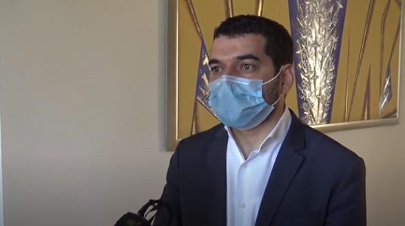 Հրաչյա Հակոբյանը երեկ այցելել է Նիկոլ Փաշինյանին, իսկ այսօր մասնակցում է ԱԺ նիստին (տեսանյութ)