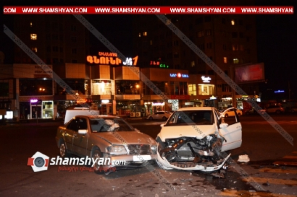 Երվանդ Քոչար և Վարդանանց փողոցների խաչմերուկի մոտակայքում բախվել են «Mercedes B Class» և «Mercedes C Class» մակնիշների ավտոմեքենաները․ կան տուժածներ