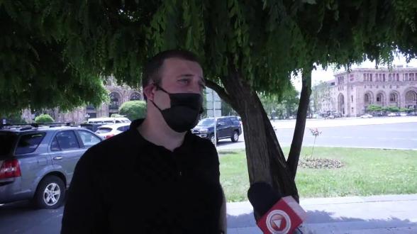 #Stopnikol2020 շարժման ֆլեշմոբը չիրականացավ. ոստիկանները ռեֆորմիստներին թույլ չտվեցին մոմավառություն իրականացնել (տեսանյութ)