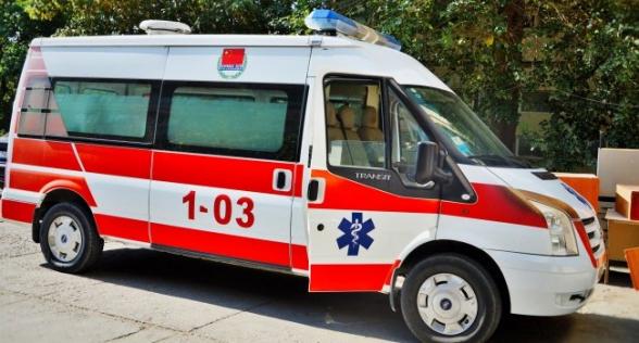 Շտապօգնության և մարդատար ավտոմեքենայի բախման հետևանքով, նախնական տվյալներով, տուժել է 6 մարդ