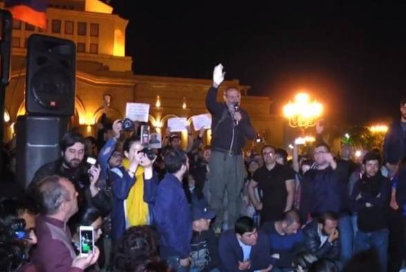 Հեղափոխական այլասերվածություն և հակապետական արկածախնդրություն