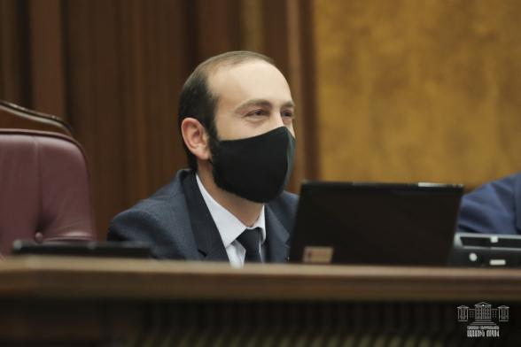 Арарат Мирзоян уговорил Никола Пашиняна, что нужно соблюсти срок 21+5 – «Грапарак»
