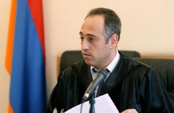Уголовного дела в связи с угрозами в адрес судьи Арсена Никогосяна не завели, хотя личность угрожавшего известна