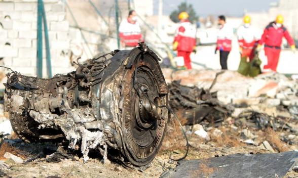 Черные ящики сбитого в Тегеране самолета доставят во Францию 20 июля
