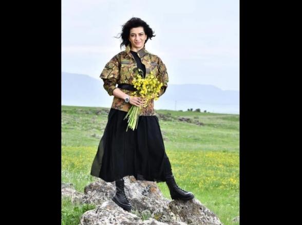 Ազերիներին ծաղիկով ու խաղաղասիրությա՞մբ եք ուզում կանգնեցնել, թե՞ դիմավորել