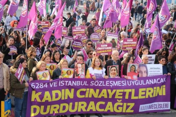 Թուրքիայում ոստիկանները ձերբակալել են կանանց բռնությունների դեմ բողոքի ակցիայի մասնակիցներին