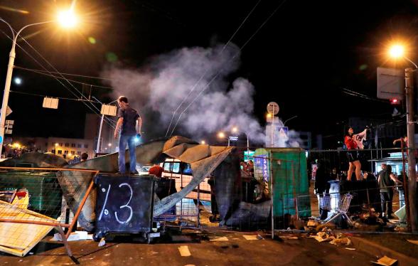 В Минске произошли столкновения между протестующими и милицией