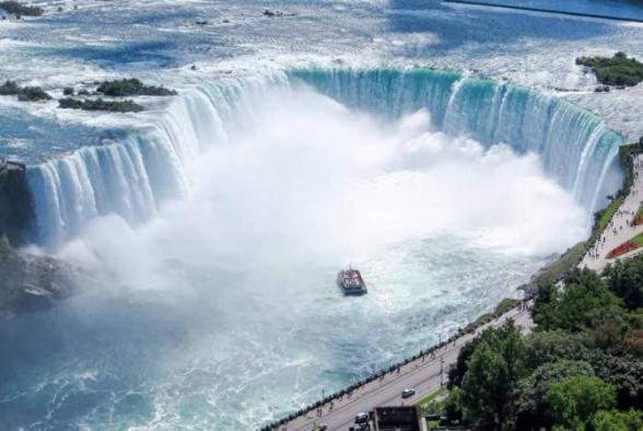 Ниагарский водопад окрасится в цвета армянского триколора