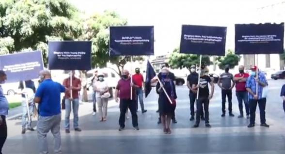 Акция протеста с требованием отставки правительства (прямой эфир)