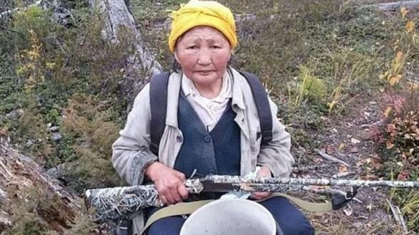 В Якутии медведь сбежал от перерычавшей его пенсионерки
