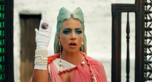 Լեդի Գագայի փարաջանովյան ոճով տեսահոլովակի դիզայները հայուհի է