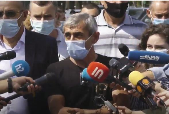 «Ադրբեջանն իր նավթն է օգտագործում, իսկ մենք մեր հանքը չենք շահագործում»․ Ամուլսարի շրջակա համայնքների բնակիչների ակցիան ԱԺ-ի մոտ (տեսանյութ)