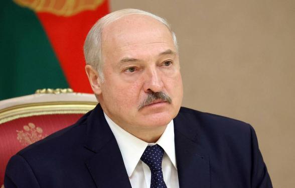 Лукашенко вступил в должность президента Белоруссии (фото)