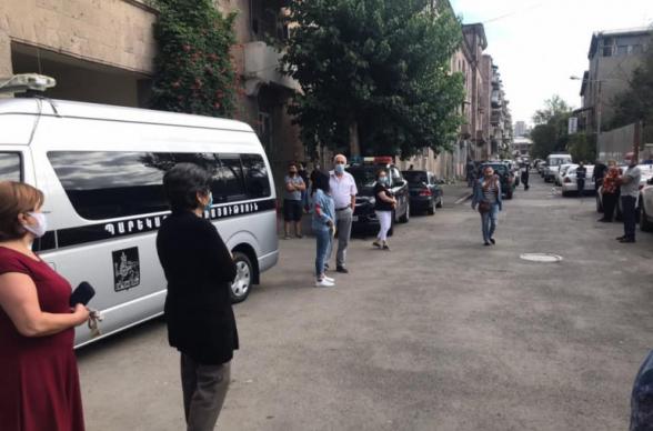 Աղբյուր Սերոբ փողոցի բնակիչները բողոքի ակցիա են անում (տեսանյութ)