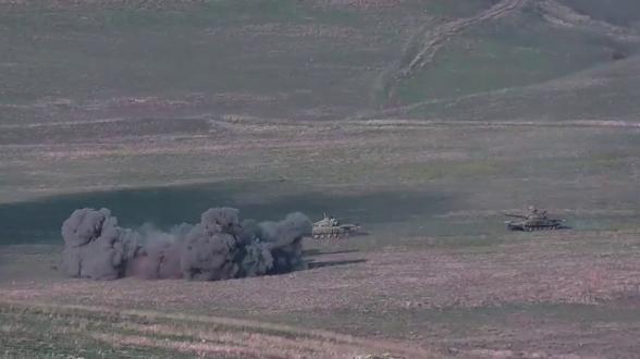 Уничтожение азербайджанских танков и живой силы (видео)