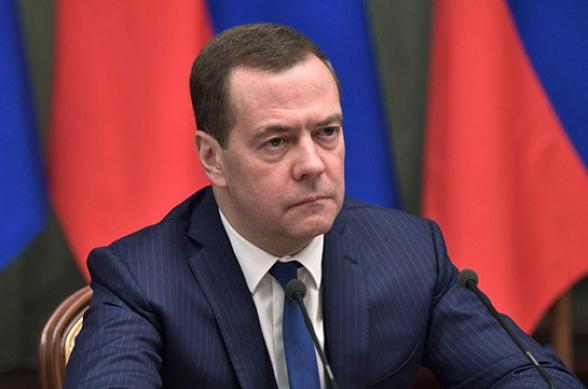 Медведев призвал остановить военные действия в Карабахе во избежание региональной катастрофы