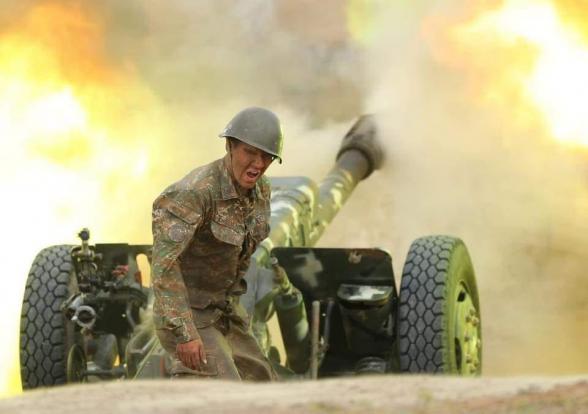 Армянские минометчики подбили азербайджанский танк