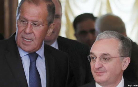 Зограб Мнацаканян и Сергей Лавров провели телефонную беседу