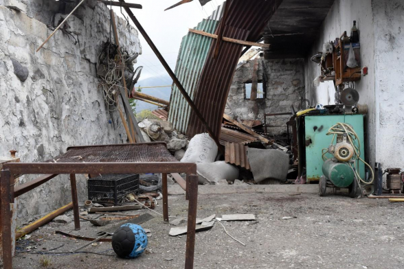 Հակառակորդը հրթիռակոծել է Իվանյան գյուղը, 3 հրթիռ չի պայթել (լուսանկար)