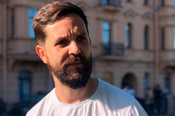 Ռուսական «Դոժդ» հեռուստաալիքը տեսանյութ է հրապարակել, թե ինչպես է իրենց թղթակիցը հայտնվել ռմբակոծության տակ Արցախում