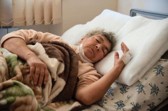 Ադրբեջանի կողմից խաղաղ բնակավայրերի հրթիռակոծման հետևանքով Ստեփանակերտում վիրավորվել է 82-ամյա Ռուզաննա Սարգսյանը․ Տեղեկատվական շտաբ