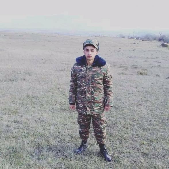 Թե hետ չգամ ես մի օր, դու չտխրես, չարտասվես. տեսանյութում երգող զինվորը ևս անմահացավ (լուսանկար)