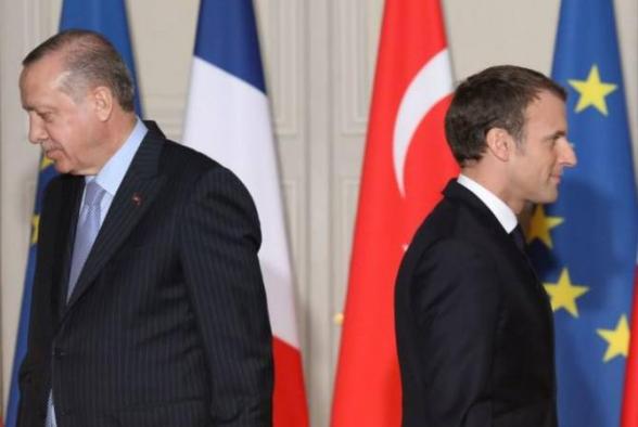 Франция отзывает своего посла в Анкаре