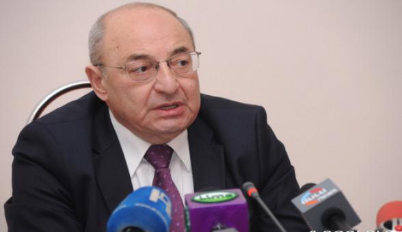 Вазген Манукян: «Правительство должно подать в отставку и передать власть армии РА»