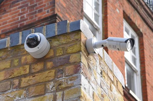 Азербайджанцы смогли получить доступ к видеокамерам, установленным в домах, магазинах