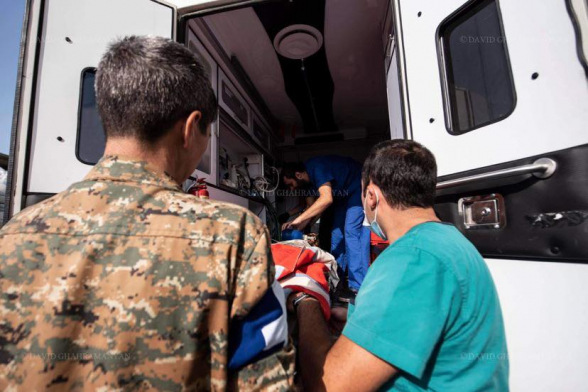 Շուշիում հրթիռակոծությունից հետո մարդասիրական աշխատանքների ժամանակ վիրավորում է ստացել 3 փրկարար (տեսանյութ)