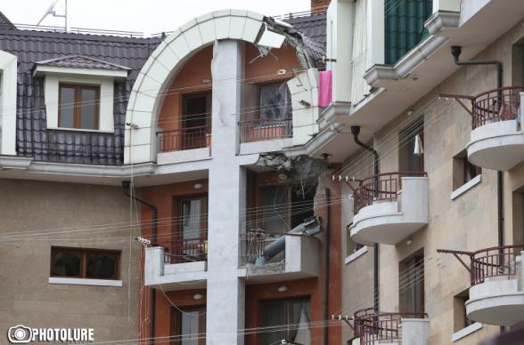 Ադրբեջանը վաղ առավոտից հրթիռակոծում է Ստեփանակերտը, կան վիրավորներ (լուսանկար)