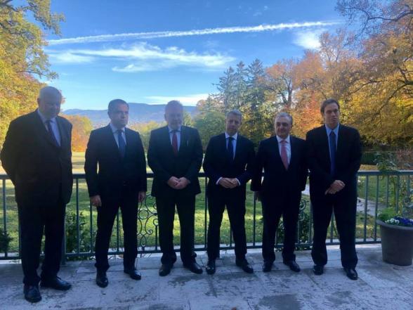 В Женеве прошла встреча глав МИД Армении и Азербайджана (фото)