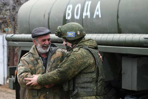 Российские миротворцы начали доставлять воду в 3 населённых пункта Аскеранского района